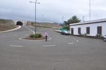 Völlig blödsinniger Tunnel mit sofortiger Kehrtwende im Flachland vonMadeira